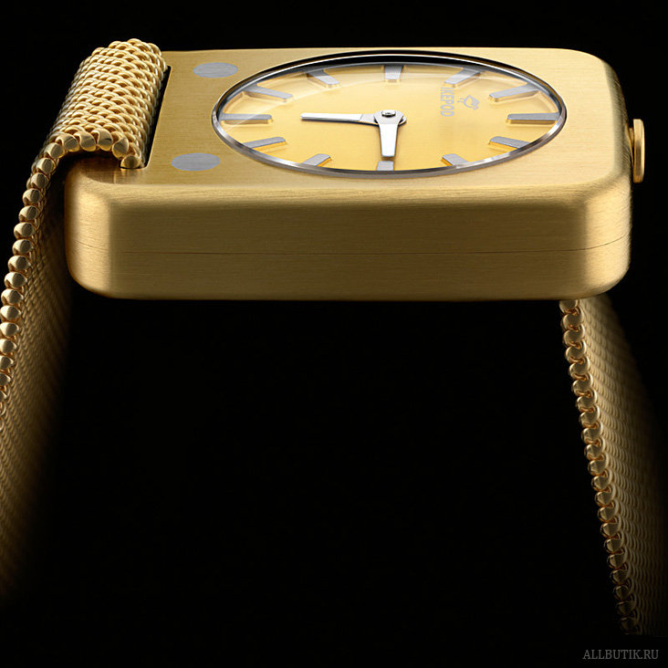 Ikepod Solaris watch in yellow gold