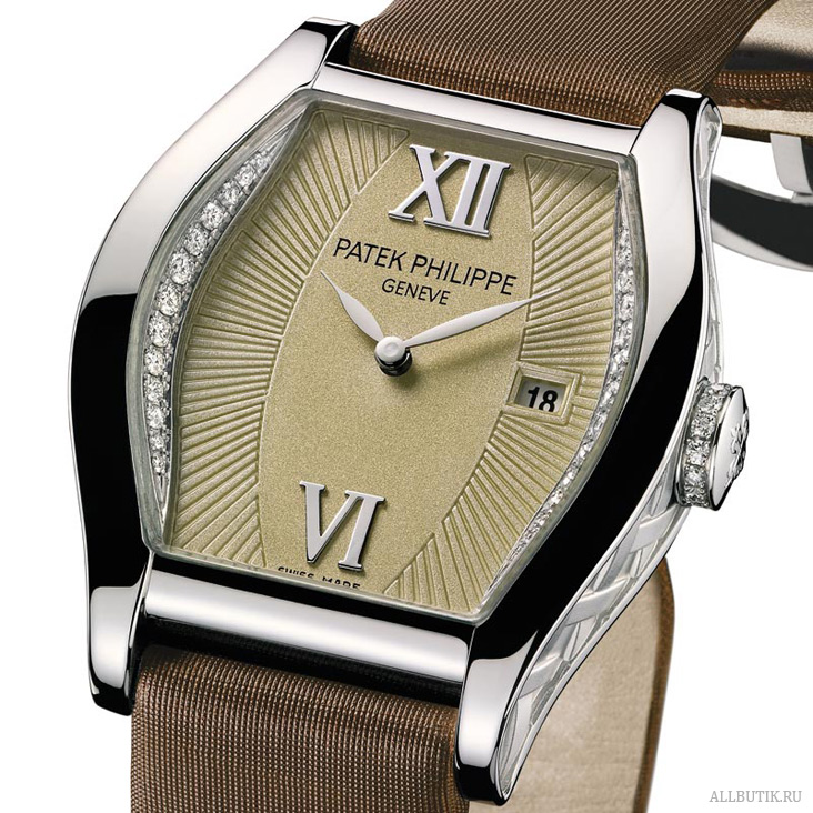 Patek Philippe Tonneau-shaped Gondolo